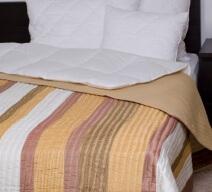 Naturtex Taft ágytakaró aranycsíkos színben
